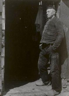 Boer (60 jaar) in Walcherse streekdracht 1944 #Zeeland #Walcheren