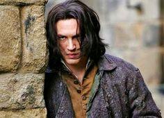 """""""Disseram que eu a matei, assombre-me então. Esteja comigo sempre! tome qualquer forma, leve-me a loucura. Não posso viver sem minha vida. Não posso viver sem a minha alma.""""  Heathcliff"""