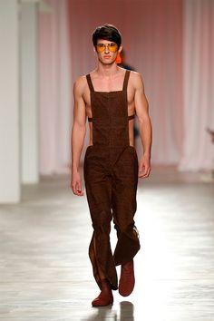 Alexandre Pereira Fall/Winter 2017 http://www.99wtf.net/men/mens-fasion/ideas-simple-mens-fashion-2016/