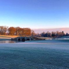 Good Morning - the Repton Bridge looks very pretty with a touch of frost ❄️ #frosty #winter #stokepark #golfcourse