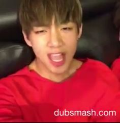 🤣🤣🤣🤣🤣🤣 - How funny hahahahahahaha Guys 😘🎤😉de bts Just better bts and jimin? And junckook and jin an - Bts Bangtan Boy, Bts Taehyung, Bts Jungkook, Bts Memes Hilarious, Bts Funny Videos, Suga Funny, Foto Bts, Taekook, Bts Cute