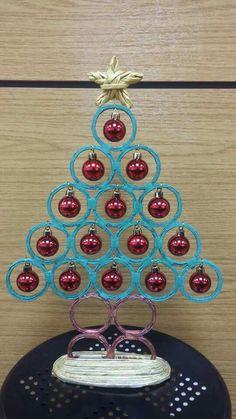 Diy christmas tree alternative simple holidays 42 ideas for 2019 50 Diy Christmas Decorations, Centerpiece Christmas, Christmas Crafts To Make, Diy Christmas Tree, Holiday Crafts, Christmas Holidays, Christmas Ornaments, Decor Crafts, Diy Crafts