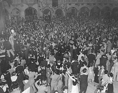 A night dancing at the Aragon Ballroom, c.1940s, Chicago.    This looks like so much fun! Reminds me Glenn Echo except bigger.