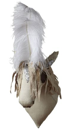 horse head w/feather plume