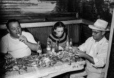 Cold beer and tons of free crab: Friday night at a 1938 Louisiana roadhouse
