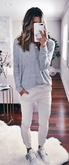 #fall #outfits women's gray crew-neck long-sleeved shirt