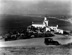 (1926)^ - A scenic point of the Palos Verdes Peninsula, showing La Venta Inn in Palos Verdes Estates and the coastline from Redondo Beach on.