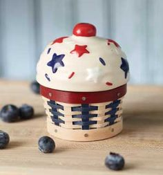 2012 Collectors Club Miniature Sweets Americana Cupcake Basket with pottery lid.  Second in a series of four of the smallest baskets Longaberger has ever made.