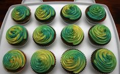 Green Cupcakes, Rainbow Cupcakes, Video Game Party, Party Games, Rainbow Icing, Cupcake Icing, Birthday Cupcakes, Glitter, Desserts