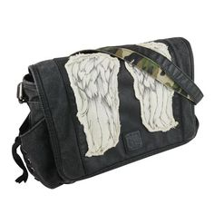 Those iconic wings! Now you can be as fashionable as Daryl Dixon! The Walking Dead Daryl Dixon Wings MINI Messenger Bagfeatures the iconic wings from Daryl's jacket andplenty of pockets to store all your zombie survival gear. Daryl Dixon, Walking Dead Clothes, Zombie Survival Gear, The Walking Dead Merchandise, Talking To The Dead, Mini Messenger Bag, Wings Design, Stuff And Thangs, Small Bags