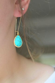 Jewelry Turquoise turquoise - I have loved turquoise since I was a kid. Love these earrings - I Love Jewelry, Photo Jewelry, Gold Jewelry, Jewelery, Jewelry Accessories, Jewelry Design, Fashion Jewelry, Jewelry Making, Turquoise Earrings