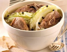 This is a popular meat dish from southern Norway. Lamb and cabbage are layered and stewed with peppercorns. Serve with boiled potatoes sprinkled with parsley. Nordic Diet, Tapas, Cabbage Stew, Norwegian Food, Norwegian Recipes, What Is For Dinner, Great Recipes, Favorite Recipes, Red Lentil Soup