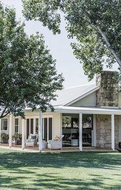Farmhouse Style Outdoor Wrap Around Porches Trendy Ideas – Farmhouse Casa Pizza, Weatherboard House, Queenslander, Hamptons Style Homes, Facade House, House Goals, Home Interior, House Colors, Farmhouse Style