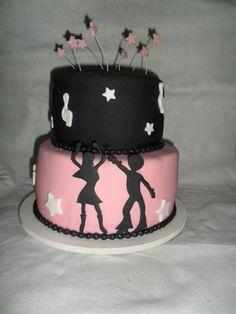 Bolo Discoteca, baunilha, chocolate, pasta americana, preta, rosa, dançarinos, estrela, notas musicais