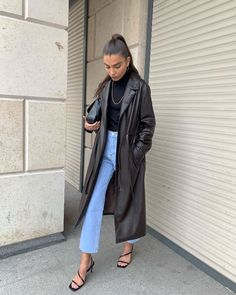 Trenchcoat season is starting Mode Outfits, Fall Outfits, Casual Outfits, Fashion Outfits, Womens Fashion, Fashion Trends, Jean Outfits, Easy Style, Printemps Street Style