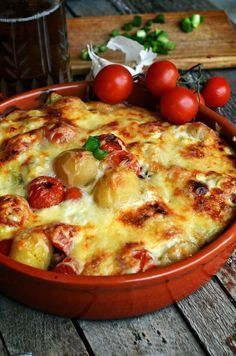 Egy falat finom tavasz... Vegetable Recipes, Meat Recipes, Hungarian Recipes, Quiche, Main Dishes, Food And Drink, Vegetarian, Pasta, Favorite Recipes