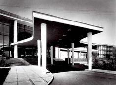 Pórtico de entrada principal, Centro Deportivo Israelita, Av. Avila Camacho, Lomas de Sotelo, México DF 1955-1958 Arq. Vladimir Kaspé -  Main entrance portico, Jewish Sports Center, Lomas de Sotelo, Mexico City 1955-1958