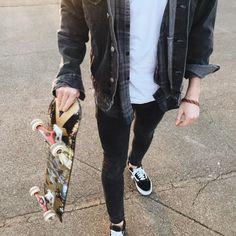 Skate & Destroy in style