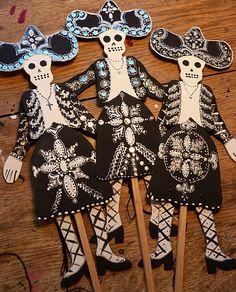 004 Dry bones skeleton puppet template; for Ezekiel My