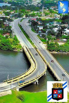 Puerto Cortés es el puerto mas importante de Honduras, está conectado por una autopista de 4 carriles con la ciudad de San Pedro Sula y por carretera con la frontera de Guatemala