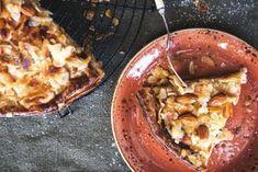Peltipiirakka hurmaa - kokeile helppoa toscapiirakan reseptiä! Pancakes, French Toast, Baking, Breakfast, Recipes, Food, Morning Coffee, Bakken, Essen