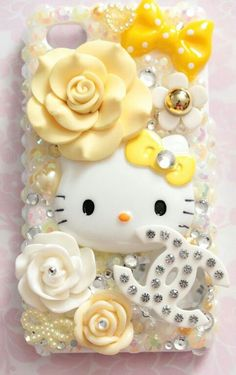 This listing is for a ready-to-ship, Handmade Yellow Hello Kitty Decoden Iphone 4 Case. How to care for your HELLOxSUGAR Decoden Cases: I Kawaii Phone Case, Decoden Phone Case, Diy Phone Case, Cute Phone Cases, Iphone Cases, Phone Cover, Hello Kitty Imagenes, Accessoires Iphone, Hello Kitty Items