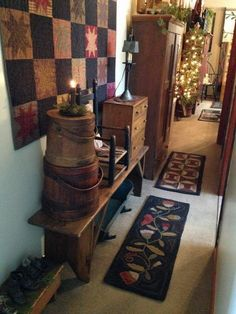 primitives down the hallway Primitive Living Room, Primitive Homes, Country Primitive, Primitive Furniture, Prim Decor, Country Decor, Rustic Decor, Farmhouse Decor, Primitive Decor
