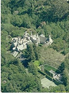 Amazing California luxury mansion built in English country style