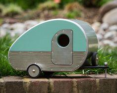 Vintage Teardrop Camper Birdhouse by jumahl on Etsy