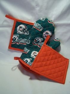 Items Similar To Nfl Miami Dolphins Tailgate Set Oven Mitt An Pot Holders On Etsy