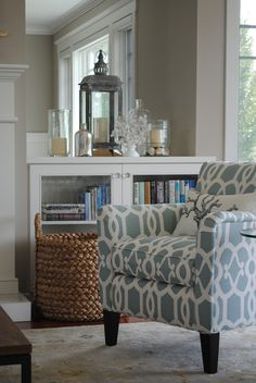 California Coastal Chic This Is So Inviting And Serene Love The Chairs Fabric Large Woven Basket Collection Of Lanterns White Woodwork Built In