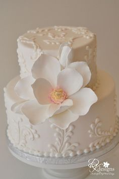 Pretty Hand Crafted White Flower Little Cake.