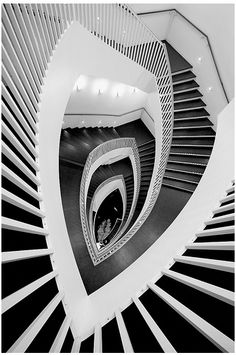 Art Nouveau Staircase By Dappers Winding Stair, Beautiful Stairs, Beautiful  Places, Georgia Okeefe