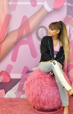 Ariana Grande // Mac Viva Glam Press Day