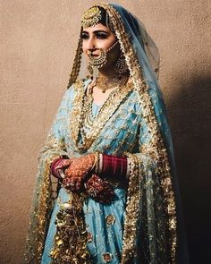 Tiffany blue lehenga and swoon worthy jewels. this gorgeous punjabi bride giving us all the feels! For more beautiful bridal… Indian Bridal Outfits, Indian Bridal Fashion, Indian Bridal Wear, Pakistani Bridal, Bridal Lehenga, Bridal Dresses, Indian Wear, Dresses Uk, Party Dresses