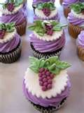 Image detail for -fondant-winery-themed-grape-leaves-wine-cupcakes.jpg