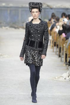 Chanel Fall Couture 2013 - Slideshow - Runway, Fashion Week, Reviews and Slideshows - WWD.com