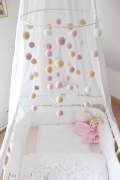 - DIY ~ Mobile for the baby bed - Handgemachtes Baby, Baby Sleep, Diy Baby, Baby Bedding, Sewing Projects For Kids, Sewing For Kids, Mobiles, Toy Story Cakes, Baby Mobile