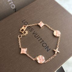 Louis Vuitton lv woman chains bracelet pink Best Picture For beautiful jewelry 2019 For Your Taste Y Cute Jewelry, Body Jewelry, Jewelry Accessories, Fashion Accessories, Fashion Jewelry, Bijoux Louis Vuitton, Louis Vuitton Monogram, Louis Vuitton Bracelet, Pink Louis Vuitton