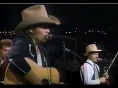 """DWIGHT YOAKAM - """"Austin City Limits"""" First Appearance: 1986"""