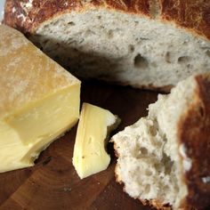 Topped on crackers or accenting your favourite dishes, Canadian cheese is delicious no matter how you slice it. See why Canadian cheese deserves a spot on your menu. Canadian Cheese, Fresh Bread, How To Make Cheese, Afternoon Snacks, Simple Pleasures, Camembert Cheese, Meal Planning, Dairy, Homemade