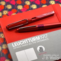 JBWelly.com Red: that bold and happy color. Here is the LAMY Safari in red, Pilot Metropolitan in Rero Pop Red, and a Leuchtturm1917 notebook in Red. ⛱ #bujo #bulletjournal #bulletjournalling #bulletjournalcommunity #plannerlove #plannernerd #planneraddict #leuchtturm #leuchtturm1917 #notebook #journal #journaling #write #writer #writing #handwriting #sketch #draw #everydaycarry #lamy #lamysafari #lamysafaridarklilac #lamysafaripen #pilot #pilotmetropolitan #fpgeeks #jbwelly