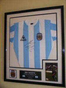 DIEGO MARADONA OF ARGENTINA SIGNED SHIRT 1986 WORLD CUP WINNERS -  Manage your fifa14 go to  http://futwiz.com