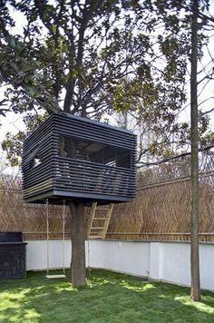 15 Modern Playhouses for Cheerful Backyards