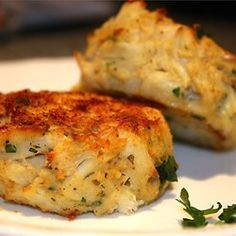 A quick and easy crab cake that features buttery round crackers, tarragon, green onions, and red pepper flakes.  I altered the recipe a little and it was great.  Omitted tarragon and red pepper flakes and added finely chopped celery, a dash of pepper and seasoned with Old Bay before frying.