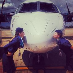 Azul Airlines Stewardesses showing their true love! Oh how we love our airplanes  @maormenese  #flightattendant #flightcrew #crew #crewlife #flightattendantlife #flying #aviation #airline #travel #tourism #ohstewardess