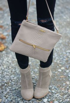 Grey booties & Bag. Latest fall collection 2015/2016