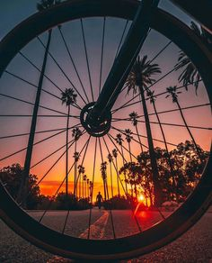 Wide Angle Photography, Bike Photography, Photography Guide, Photography Projects, Photography Tutorials, Creative Photography, Nature Photography, Creative Photos, Photo Tips