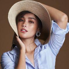 Beautiful Girl like Fashition Liza Soberano Instagram, Most Beautiful Faces, Beautiful Women, Lisa Soberano, Baby Clothes Sizes, Prity Girl, Filipina Beauty, Hot Brunette, Cute Beauty