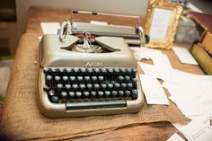 the guests write their messages on the typewriter!